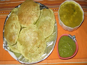 Matar ki Poori and Aloo Sabji